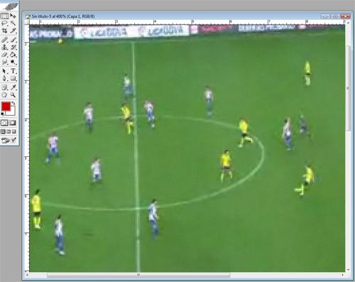 En Marca hicieron zoom para obtener la miniatura del vídeo englobando al  pasador y al delantero 5126f5e2b9c83